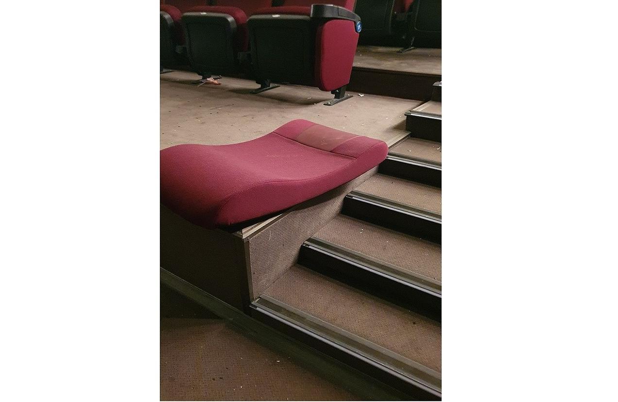 Стали известны подробности погрома в кинотеатре «Мурманск»